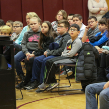 Speaker Addresses Dangers of Vaping and Juuling with Oriskany Students